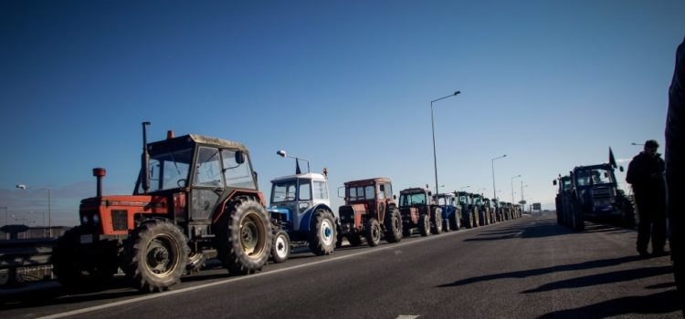 Το ΙΟΒΕ προτείνει την επιβολή τελών κυκλοφορίας στα τρακτέρ!